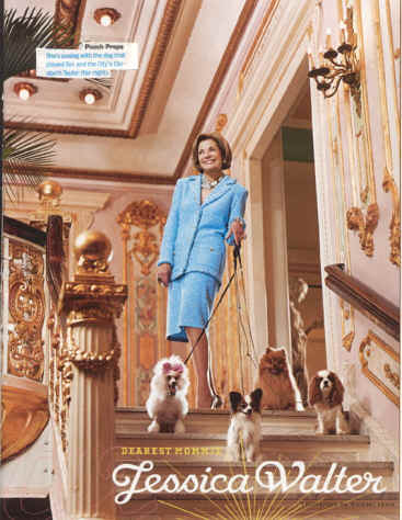 Adv Lady on steps with Cavaliers
